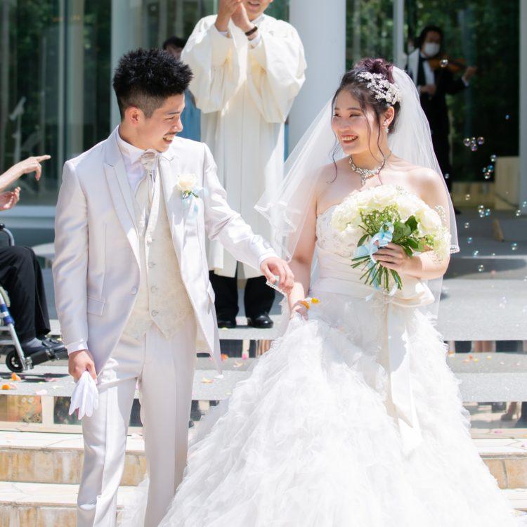 二人のかけがえのない結婚式を